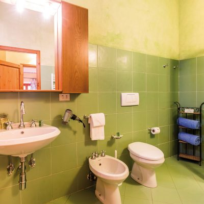 appartamento corte servizi igenici
