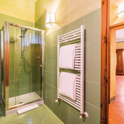 appartamento corte doccia